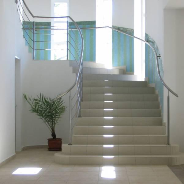 Comment bien choisir son escalier à Marseille - - idées déco pas ...