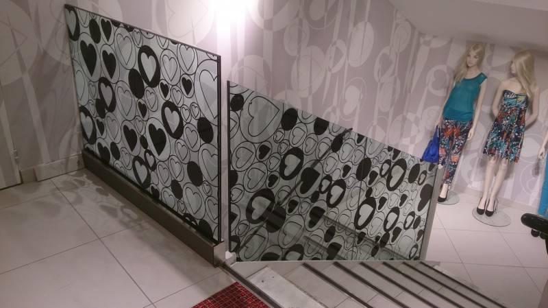 les techniques d 39 agencement de magasin id es d co pas cher marseille d coration int rieure. Black Bedroom Furniture Sets. Home Design Ideas